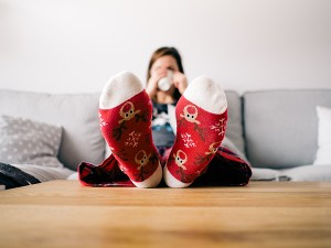 christmas-couch-feet-85842 (1)